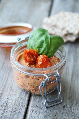 cashew tomato spread-3